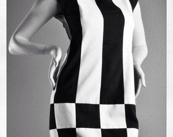 Vintage Town & Country Black and White Patterned Dress
