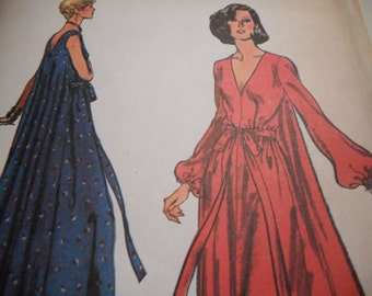 Vintage 1970's Vogue 9009 Dress Loungewear Sewing Pattern Size 10 Bust 32 1/2