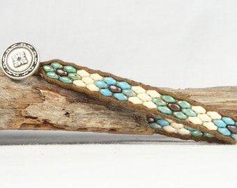 Single wrap bracelet, Flower design bracelet, Superduo bead bracelet, CarolMade Sw79