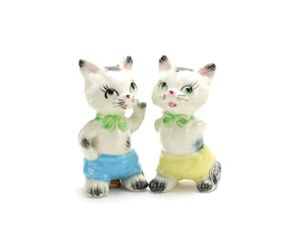 Vintage MINT Anthropomorphic Kittens Salt and Pepper Shakers, Cats, Wales, Anthropomorphic Cats, Kittens in Clothes, White Cats, Epsteam