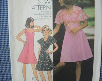 vintage 1970s simplicity sewing pattern 6798 misses short princess seam dress and top size 12