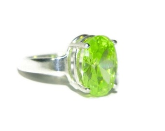 Dinner Ring, Sterling Silver Ring, Ring With Big Stone, Ring With Oval Stone, Ring With Lime Green Stone