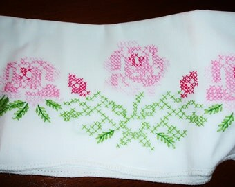 Pillowcase Single, Cross Stitched, hand embroidered, Cottage chic, Floral stitching, pink and white, Twin bedding, Girls room, Pillow Slip
