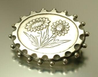 Antique/ estate jewelry, Victorian / Edwardian, aesthetic movement, silver, flower sweetheart  brooch - old jewellery