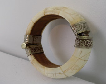 Large Carved Bone Bangle Bracelet Silver Repousse Pin Clasp - Ivory Color Carved Elephants - African Asian India Boho Chic Primitive Jewelry