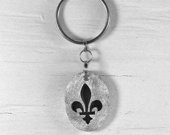 Lily Keychains :. Aluminum - Flower - Fleur de lys - Quebec - Decoration - Accessory