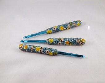 Crochet hook - Susan Bates size US H-8 / 5.00 mm polymer clay covered handle