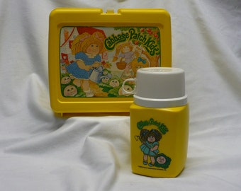 Cabbage Patch Kids Lunch Box ... 1983 Original Appalachian Artwork Inc.   Lunch Box Has Thermos Included ... Very Clean ... Thermos unused.