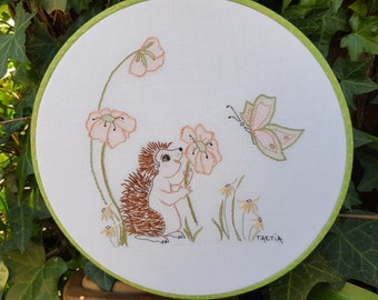 Hand Embroidered hedgehog instructions & pattern Embroidery Hoop Art--hand embroidery children