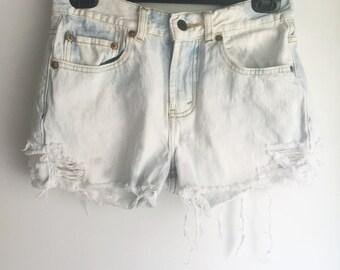 High Waisted Levi's Jean Shorts Cutoffs Size 28