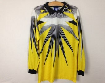 umbro long sleeve collared shirt size L