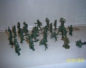 "1970's Lot of 25 Oive Green Toy Figural Army Men 2 1/2"" Tall Lot 4"
