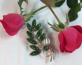 Vintage Jade Brooch with Filigree Leaves Goldtone