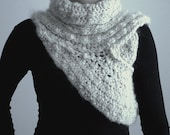 SALE 50% OFF - Crochet Huntress Cowl PDF Pattern/Katniss Cowl, For All Sizes, Instant Download