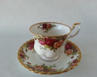 Old Country Roses Royal Albert English Teacup Set
