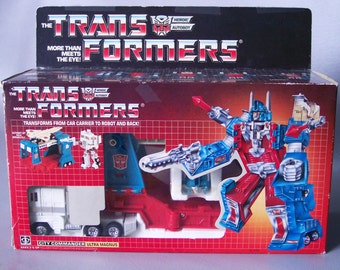 Vintage G1 Transformers Ultra Magnus Complete with Box and Inserts