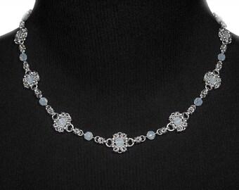 White Royal Ricardo Necklace | silverplated