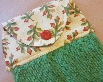 Fall Leaves, Hanging Kitchen Towel, Dish Towel, Autumn Leaves Kitchen Decor, Harvest, Kitchen Linens, Button Top Towel, Thanksgiving Hostess