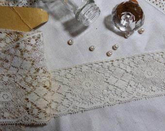 "1 Yard Vintage White Soft Floral Lace Trim 2 1/8"""
