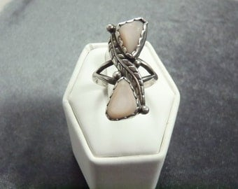 Sterling Silver Mother of Pearl Feather Ring Sz 7 R189