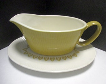 Homer Laughlin Sheffield China Company Serenade Pattern Regency Shape - Ribbed Gravy Boat with Underplate