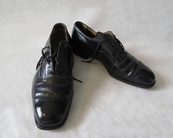 Men's Leather Brogues - 1940s