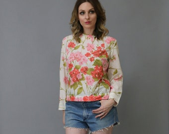 Vintage 70's Ellen Tracy Cream and Floral Print High Neck Lightweight Romantic Blouse Top