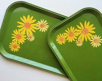 Set of Two Vintage Pea Green Metal Daisy Trays