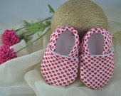 Tiny Hearts Baby Shoes - Mushies Baby Shoes - Grip Sole Baby Shoes - Fleece Lined Fabric Baby Shoes - Fabric Baby Shoes - Valentine Shoes