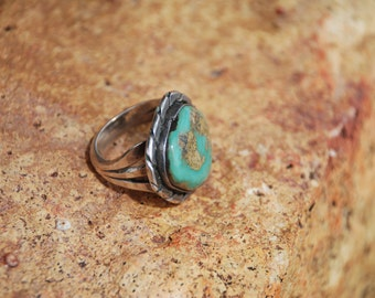 Vintage Green Turquoise Silver Southwestern Ring - FREE SHIPPING!