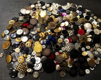 Vintage Sewing Buttons - Mixture - Some Plain