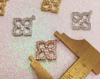 Quatrefoil Charm, Quatrefoil Pendant,18kt Plated Brass Quatrefoil Charm, Clover Charm, Clover Pendant,Quatrefoil Jewelry,Quatrefoils,Clovers