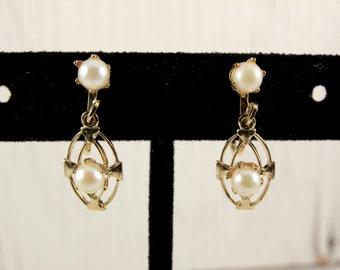 Dainty Vintage Gold Tone Dangling Faux Pearl Clip Earrings (retro 50s 60s small little lightweight pretty simple elegant)