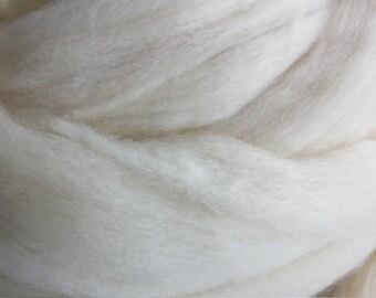 2 lbs Natural White Wool Top Roving Fiber SUPERB Spinning and Felting Crafts ,chunky knit yarn, dye,make wool dryer balls,  FREE Shipping
