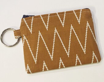 Keychain Wallet - tan / camel / chevron