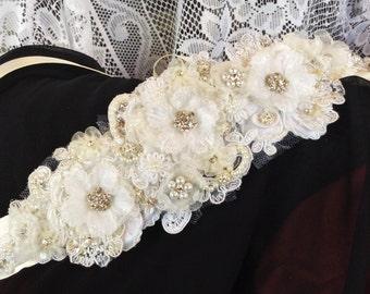 Ivory Wedding Belt/Bridal Sash-Bride's Belt-Bride's Sash-Handmade Floral Belt/Sash-Satin&Venice Lace with Pearls Rhinestones-Flowers