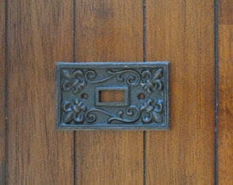 Black Light Switch Cover / Or Pick Your Color/ Light Plate Cover / Cast Iron Switchplate / Shabby Chic Wall Decor / Fleur de lis Pattern