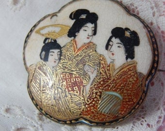 Satsuma Porcelain Brooch with Three Geisha