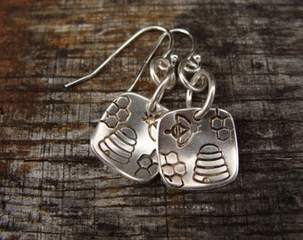 SALE 30% off - Sterling Silver Buzzy Bee Square Earrings