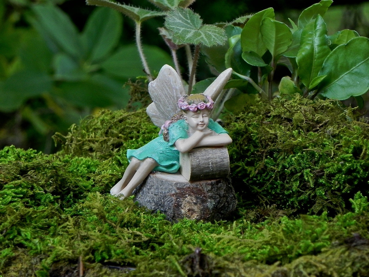 Fairy garden fairy sleeping figurine miniature garden for Fairy garden figurines