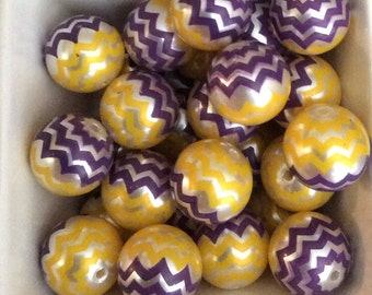 13 pieces Purple And Yellow  Chevron acrylic beads 20 mm ,  purple and gold bubblegum beads ,  purple and yellow acrylic beads 29-6-PG-B