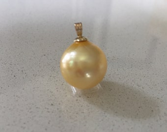 Large South Sea Golden Pearl Pendant