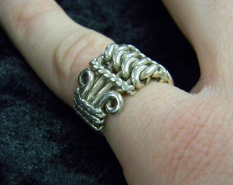Sterling Silver Interesting Complex Weave Pattern Band Ring Size 6 ET 6091