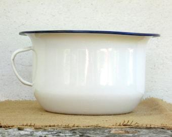 Vintage White Enamel Bowl - Enamel Chamber Pot - Farmhouse Decoration - Country Cottage Chic