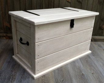 Handmade Solid Pine Shabby Chic Trunk. Coffee Table Boot/Toy Box.Linen Chest.