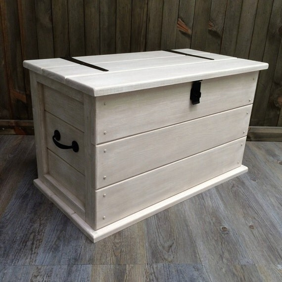 Handmade Solid Pine Shabby Chic Trunk. Coffee Table Boot/Toy