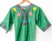 Green 80s 70s Cut Out Peasant Hippie Blouse Mexican Floral CUTWORK Top Embroidered Ethnic Bohemian Vintage Floral Top