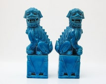 Foo dog // Pair of foo dog // Fu dog // fu lions // turquoise foo dog // Retro decor // dragon statue // dog statue // Porcelain // Blue