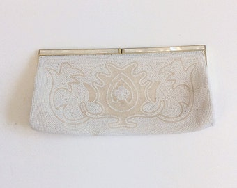 50s Seed Bead Cream and White Clutch / 1950s Vintage Beaded Mother of Pearl Evening Bag