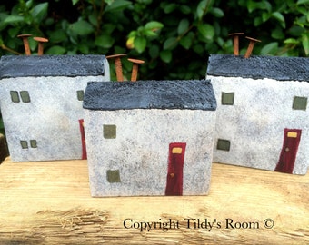 Little wooden houses; Reclaimed wood art, Wooden Ornament, Little houses, Little cottages, Unique gift, Handmade gift, Set of three houses